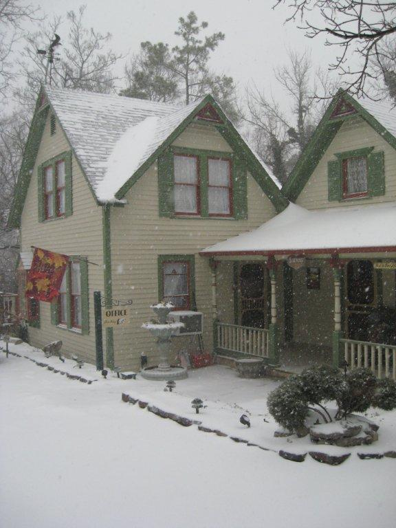 Eureka Springs bed and breakfast hot deals