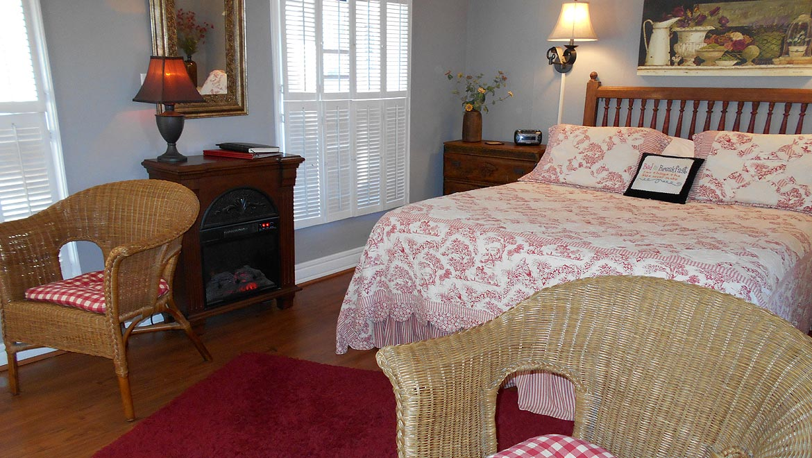 Bedroom in the Eureka Springs Cottage, The Carriage House